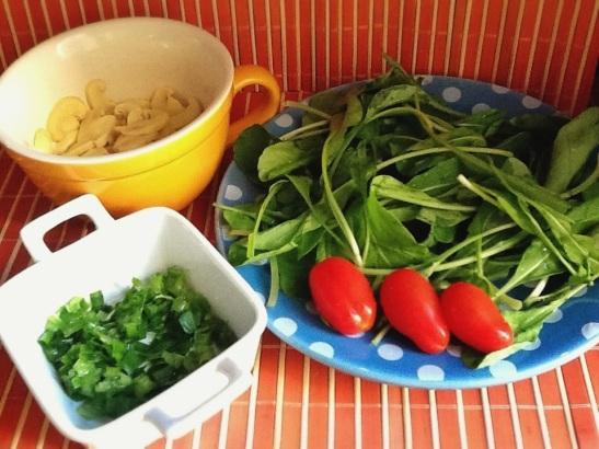 Salada de rúcula com champignon - ingredientes